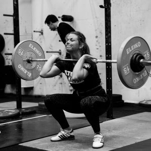 "WOD 2: ""Randy"" 75 snatches for time, 25/35 kg, timecap 5min. 2 min rest, 6 min to establish 3RM frontsquat // dela, tagga, använd, länkkärlek till @mandalaya"